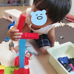 4歳の誕生日プレゼントを妄想して遊ぶ息子