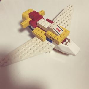 【LEGO】4歳の息子が作るLEGO作品、飛行機からの戦闘機。