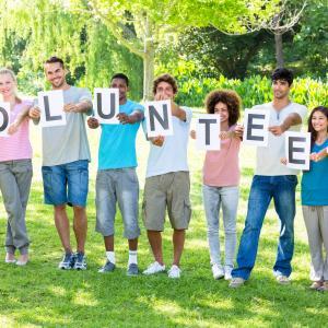 初めてボランティアをする大学生へ~メリットや種類、注意点など徹底解説~