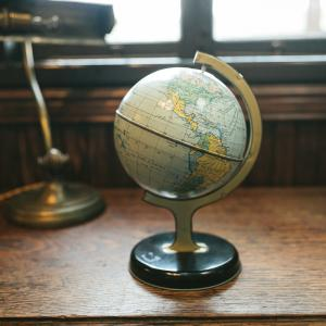 旅に行くために地球儀を手に入れました!