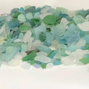 シーグラス、ビーチグラスを集める  collecting beach glass:  sea glass