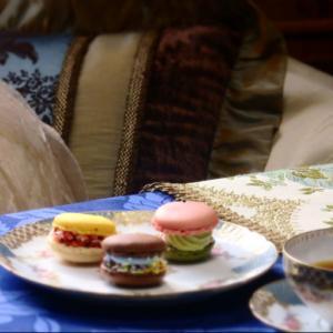 <ローソンのトゥンカロン>と紅茶のくみあわせ