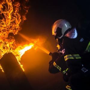 【驚愕!】武装する最強消防士誕生か
