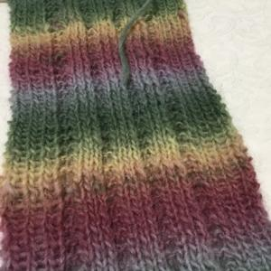 試し編みのつもりが…