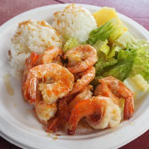 ハワイ旅行のおすすめの食べ物をご紹介します!!