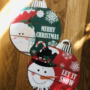 100均(dollar tree)のクリスマスデコ木製ボードをリメイク