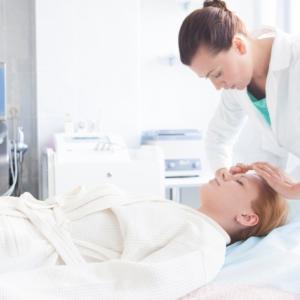 美容医療でよく使用される用語のダウンタイムとは何か知っていますか?