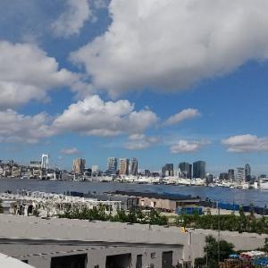 この雲は、まだ夏か…?(*^_^*)