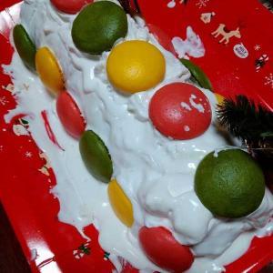 マカロンのロールケーキ