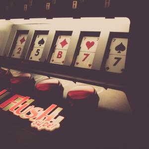 【コラム】ギャンブルや賭け事にハマる人の心理って?
