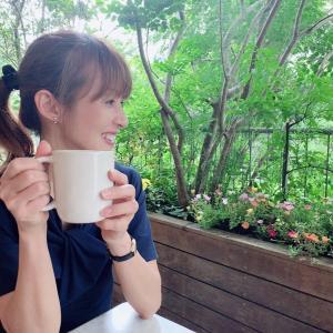 【タレント】#花田美恵子、ポニーテールで愛犬とお茶する姿に「メッチャ可愛い過ぎ」「お綺麗」の声