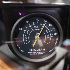 [α6600]おしゃれな湿度計!カメラの防湿庫を購入!本当に必要?メリット・デメリットを紹介します。