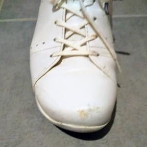 白い靴 磨きました!