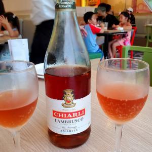 物価の高い香港で「サイゼリヤ」は超コスパがいい!!! アンビリーバボーの価格と品質?