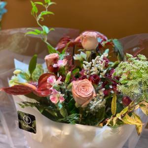 コロナ第4波が来る前に結婚式の贈り物として贈られた花束