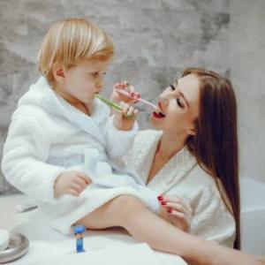 子供の虫歯治療!歯にプラスチック製のものがはさまっていました。