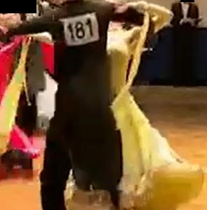 趣味難民、社交ダンスを踊る。