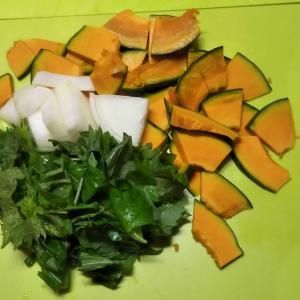 20/08/01日記  献立プログラム変更  夕食はアサリとカボチャの辛味煮込み
