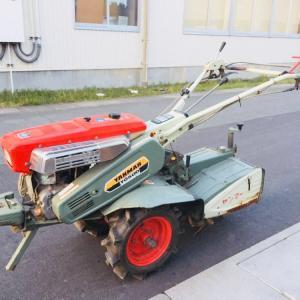 栄えあるキリ番、1000番(運輸省型式認定番号)は耕耘機