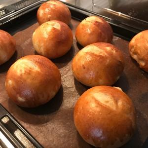 【昨日焼いたパンで朝ごはん☆オニオンブレッド】