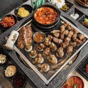 韓国でサムギョプサルを食べるなら・・!