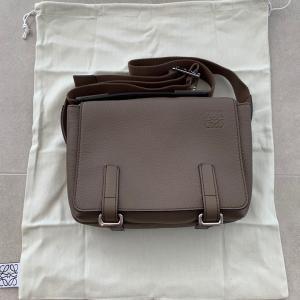 豪州からUKのハロッズオンラインでロエベのバッグを買った話