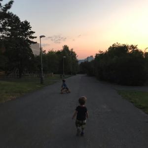 チェコで子育て、夜の散歩