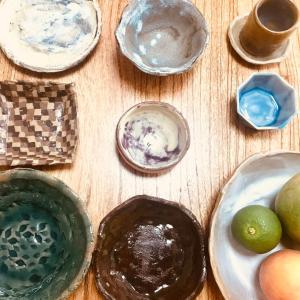 【クラ断】子どもたちの陶芸作品に埋もれてました。(04欠けている食器)