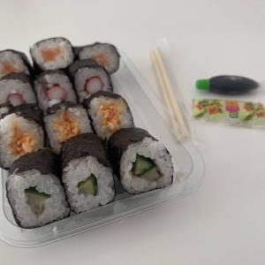 やっぱりお寿司が食べたい。オランダのスーパーで買えるのり巻き