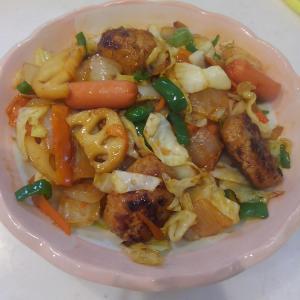 【おうちコープのミールキット】4種野菜とつくねのオイスター炒め。10分で野菜たっぷり料理の完成!