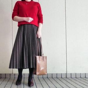 UNIQLOカシミヤニット×プリーツスカートコーデ