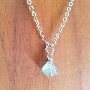 バリ島シーグラスのネックレス