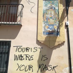 今日の1枚:マスクをしない観光客に活!
