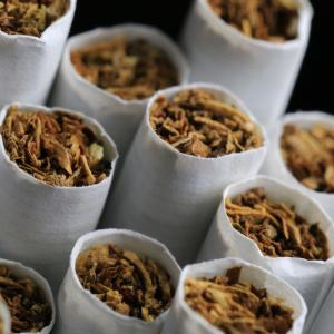 喫煙でコロナ感染拡大?:スペイン、コロナ拡大防止のため屋外喫煙禁止に!