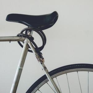 アジア人差別か偶然か:スペインで自転車を取り巻く一連の事件