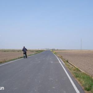 電車でサイクリング:バレンシアまで48キロ、どこまでも地平線が見えるAlbuferaのパエリア発祥の水田をサイクリング