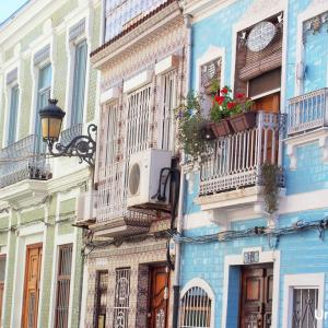英紙ガーディアンが欧州で最もクールな10の地区の1つに選んだバレンシアのEl Cabanyal地区
