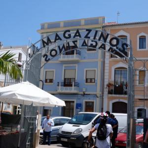 オープンで気持ちいいDéniaのグルメ市場:Els Magazinos