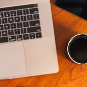 アフィリエイト用のブログは有料と無料のどっちがオススメ?
