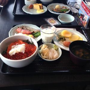 札幌市内、朝食バイキングでおすすめのホテルを紹介!いくら盛り放題など海鮮丼があるところも!