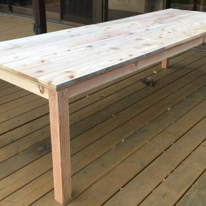 DIYでつくるロングテーブル。端材のリメイクでアップサイクル!