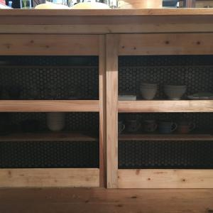【写真多め】DIYでつくる男前な引き戸の食器棚