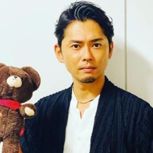 今井翼、「脚長選手権」クールショット公開に反響「日本一!」「足長っっ」