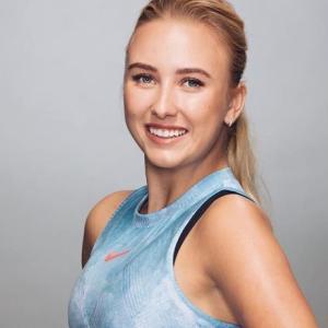ロシア美女テニスプレーヤー・ポタポワ、スレンダーボディーの水着姿披露 「可愛いビキニ」「セクシーだ」