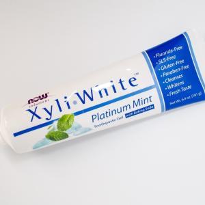 ナウフーズ キシリホワイトは研磨剤不使用の安心な歯磨き粉