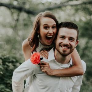 「彼女ほしい、彼氏ほしい」「理想の結婚相手をゲットしたい!」と思うなら、情報発信を勉強して、ブログを書いて、文章能力とアウトプットする能力さえ鍛えれば、顔が良くなくても、スタイルが良くなくても、喋りが下手でも、イケちゃいます。