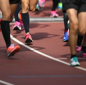 【ジョギング】幅広・甲高のランナーが選ぶべきシューズとメーカー