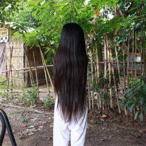 フィリピン便り 長い黒髪の少女