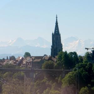 アルプスの山が呼んでいる!- スイスの車窓から
