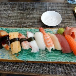 にぎり寿司の試食体験!- モントルー